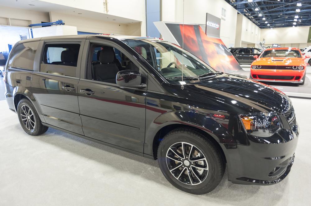 bad-buy-discontinued-car Dodge Grand Caravan